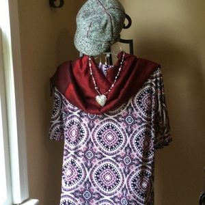 Beautiful, abstract design women's top. NWT L